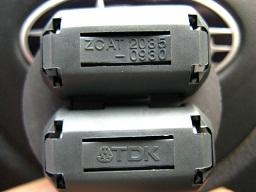 実は落札品もTDKのZCAT2035-0930BKだ