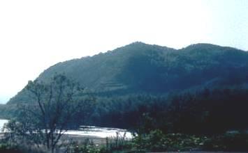 鹿背山と泉川