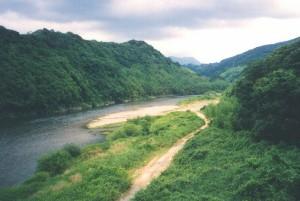狛山と泉川