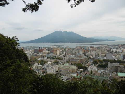 城山公園から桜島を望む